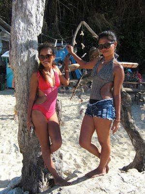 Boracay cuties on Puka Shell Beach