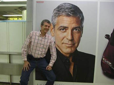 George Clooney in Tokyo subway station