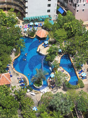 Swimming pool @ the Royal Paradise Hotel Phuket