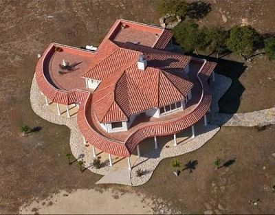 Texas-shaped house