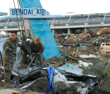 US marines help clear out Sendai Airport