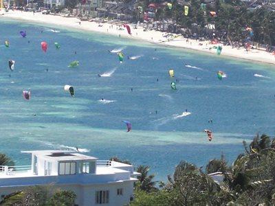Boracay kitesurfing on Bulabog Beach