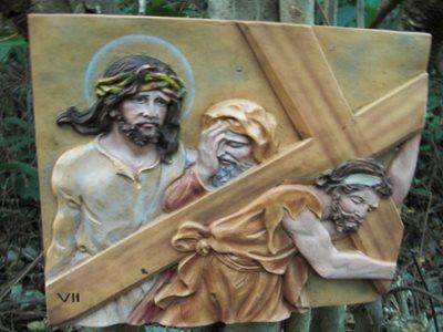 Jesus Christ crucifixion artwork on Steve's Cliff hiking trail