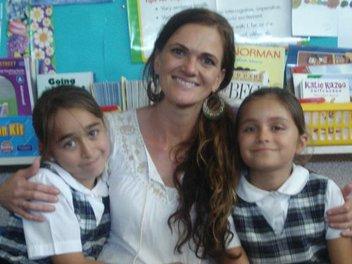 Anahid Ounigian and Ana Sofia Vildosola, with their teacher, Sera Ursich