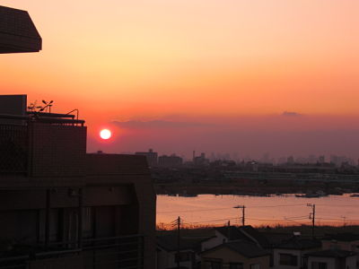 Sunset over the Edo River in Tokyo